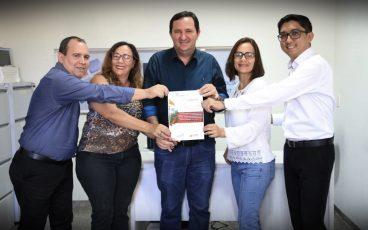 Deputado Valdir Barranco homenageia diretoria eleita do IMPRO