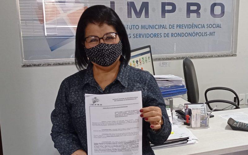 Professora que iniciou carreira aos 12 anos é a mais nova aposentada do IMPRO
